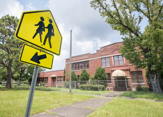 A Pensacola homebuilder has plansto tear down the former Agnes McReynolds School in East Hill and replace it with 18 single-family homes.