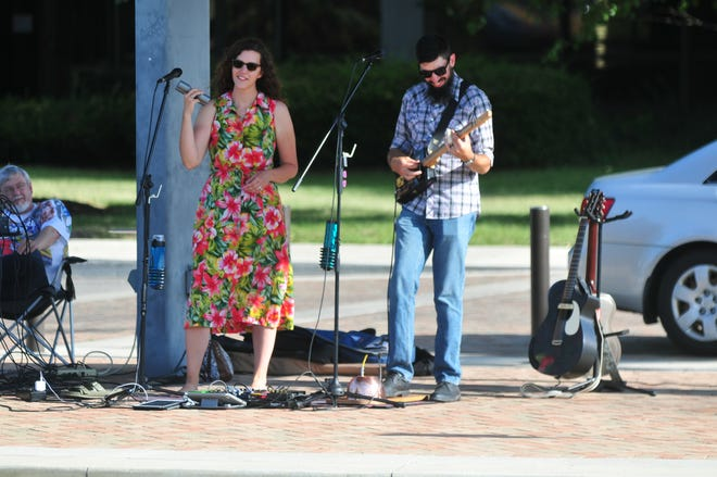 The Wallens, Molly and Brian, will entertain July 7 at the Tuesday Twilight Market and July 8 at Eat Local Wednesday in Elstro Plaza.