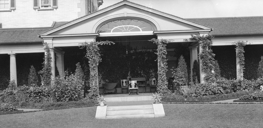 The colonnade at the George Eastman Museum, then George Eastman's home, in 1907.