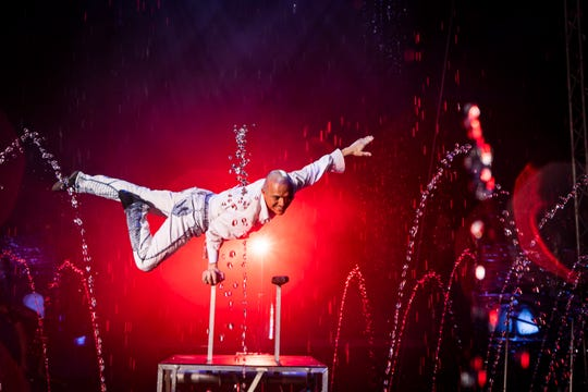 Gimmi Forniciari performs his Verticalli act during a performance of Cirque Italia