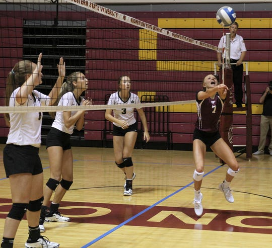 Bowie's Landra Parr passes in the match against Archer City Tuesday, Aug. 6, 2019, at Battle in the Dome hosted by Midwestern State University in D.L. Ligon Coliseum.