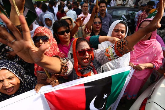 Supporters of opposition political party Pakistan People Party shout slogans during a protest after Indian government's strike down the special constitutional status granted to the disputed Kashmir region, a decision said violated United Nations resolutions in Karachi, Pakistan, 06 August 2019.