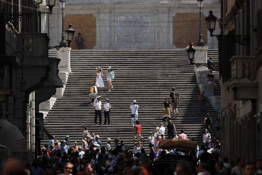 Rome tourists: Sitting on the Spanish Steps will cost you big-time