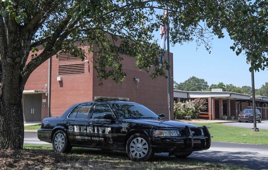 Anderson County Sheriff's Office bomb squad rendered a suspicious package safe around 10 a.m., after responding to a janitor finding it outside Homeland Park Elementary School Thursday morning.
