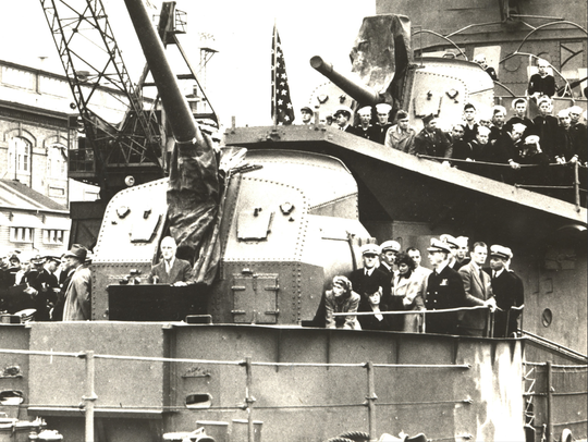 President Roosevelt delivers remarks on the USS Cummings at the Puget Sound Naval Shipyard on Aug. 12, 1944.