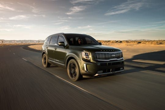 The tested Telluride gets the power to all four wheels through an eight-speed automatic transmission that shifts so unobtrusively it could be mistaken for a continuously variable automatic that has no shift points.
