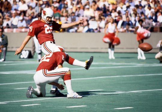 St. Louis Cardinals kicker Jim Bakken (32) follows through on a kick against the Philadelphia Eagles on Oct 10, 1976 at Busch Stadium.