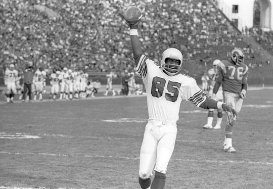 St. Louis Cardinals receiver Mel Gray (85) celebrates after scoring a touchdown against the Los Angeles Rams on Dec 27, 1975 during the 1975 NFC divisional playoff game at the Coliseum.