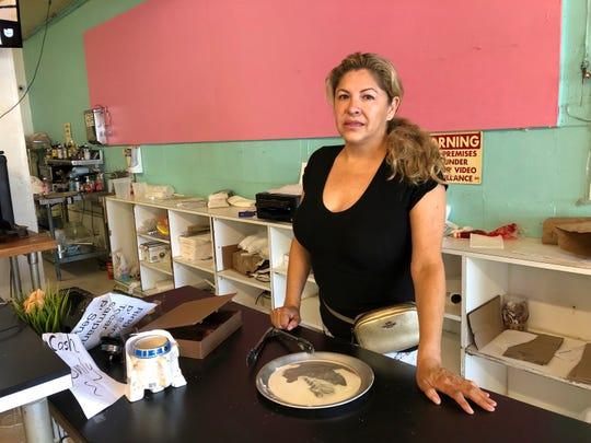 Dona Beltrán, propietaria de M Bakery en Garden Grove, California, dijo haber visto al sospechoso entrar y tomar todo el dinero de la caja registradora.