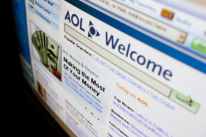 Are you willing to put up with advertisements to keep your AOL Mail experience free, or would you prefer to pay for an upgrade to remove the ads from your interface?