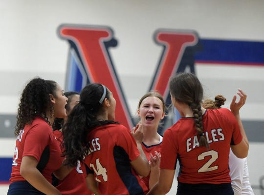 Veterans Memorial will take on Flour Bluff in the Class 5A bi-district round on Tuesday.