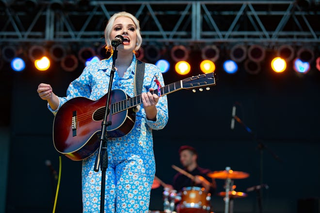 American Idol winner Maddie Poppe performs at the Iowa State Fair Thursday, Aug. 8, 2019.
