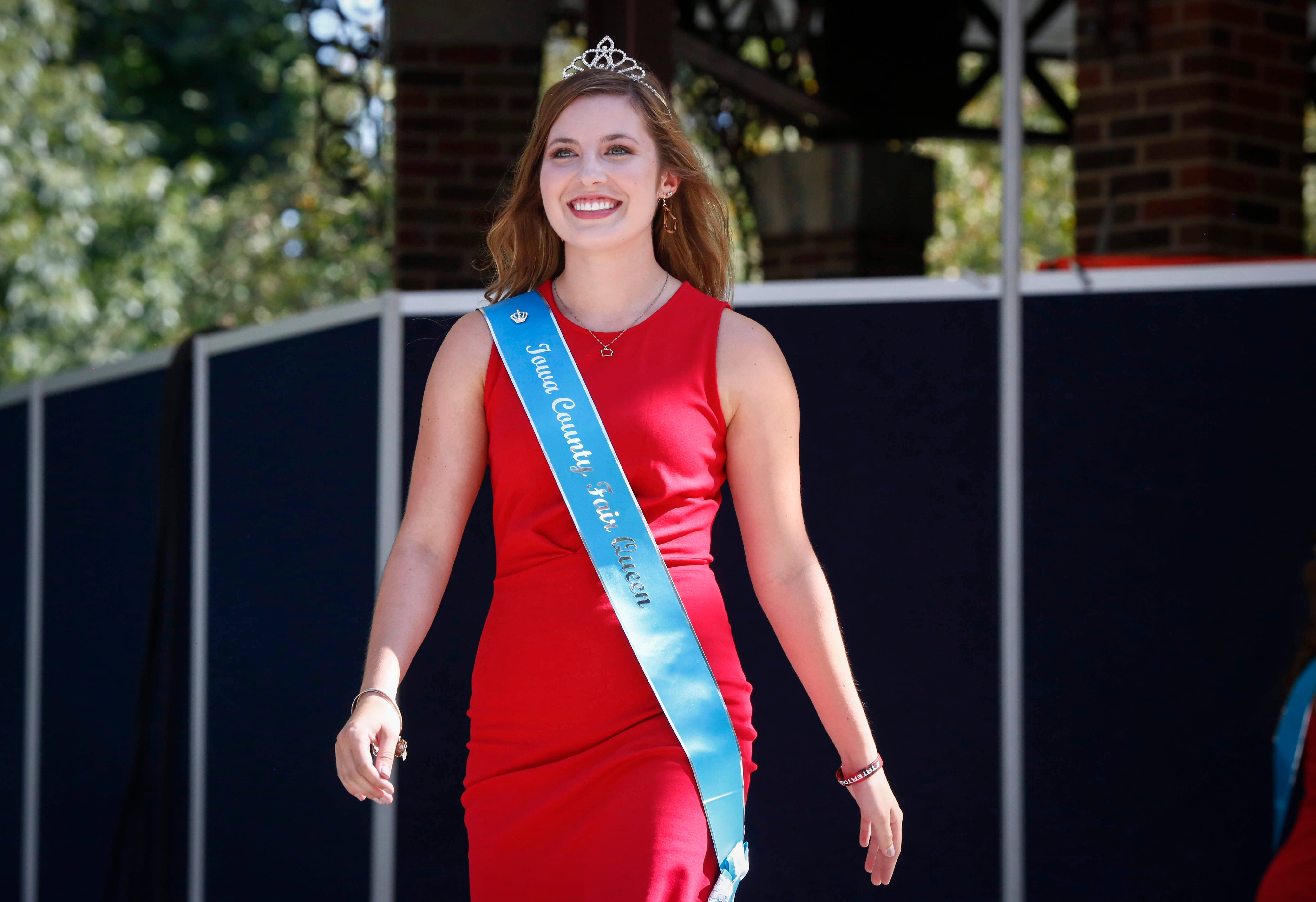 Iowa State Fair State Fair Queen Candidate Gives Away Her Winnings