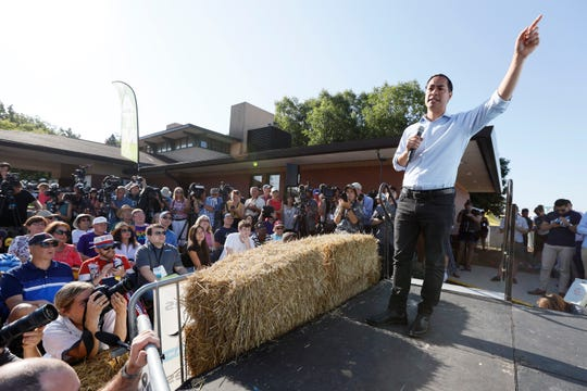 Democratic presidential candidate former U.S. Secretary of Housing and Urban Development Julian Castro speaks at the Des Moines Register Soapbox.