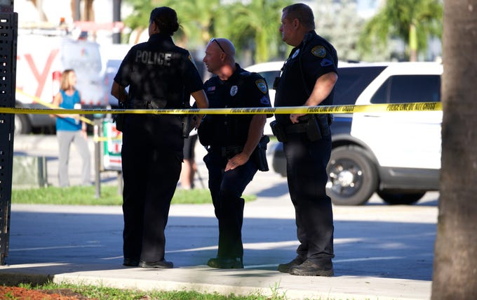 Cape Coral police officers are at the scene of a robbery at a 7-Eleven convenience store on the southeast corner of Del Prado Boulevard and Viscaya Parkway Friday morning Aug. 9, 2019.
