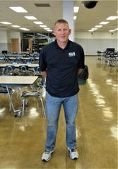 In a last-minute move, Farragut High School's new principal, Dr. John Bartlett, was appointed to replace Ryan Siebe, who moved to an administrative position in Secondary School Staffing.