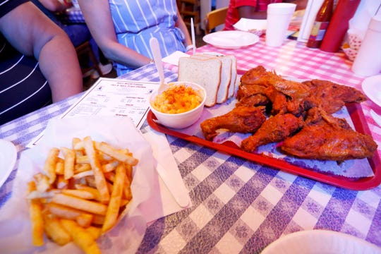 Gus's Fried Chicken, an institution in downtown Memphis dining.