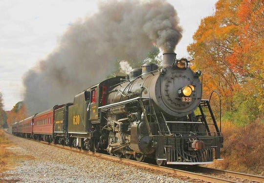 At the Tennessee Valley Railroad, fall marks the onset of a slew of fun seasonal rides.