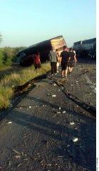 El choque del autobús donde viajaba el grupo La Firma se registró alrededor de las 6:00 horas, cuando chocó contra un vehículo de carga.