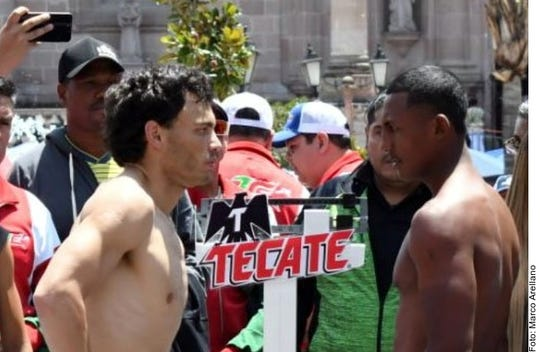 Julio César Chávez Jr. se mide a Evert Bravo este sábado.