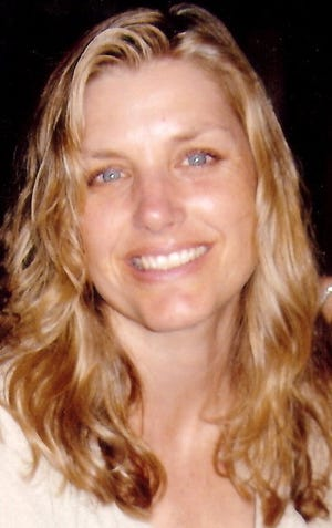 Simi Valley's daytime homeless shelter, the Samaritan Center, and its new executive director, Chantel Zimmerman, have parted ways after about just one month.