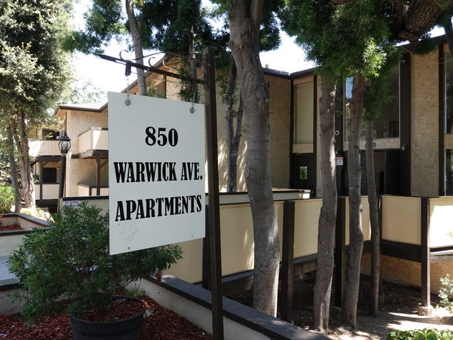 Apartments at  850 Warwick Ave. in Thousand Oaks.