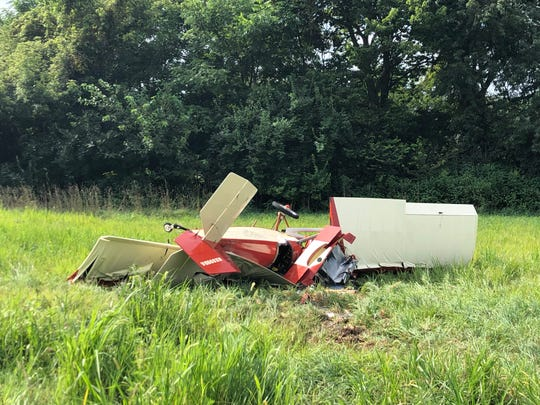 A small plane crashed in Heath on Saturday morning.