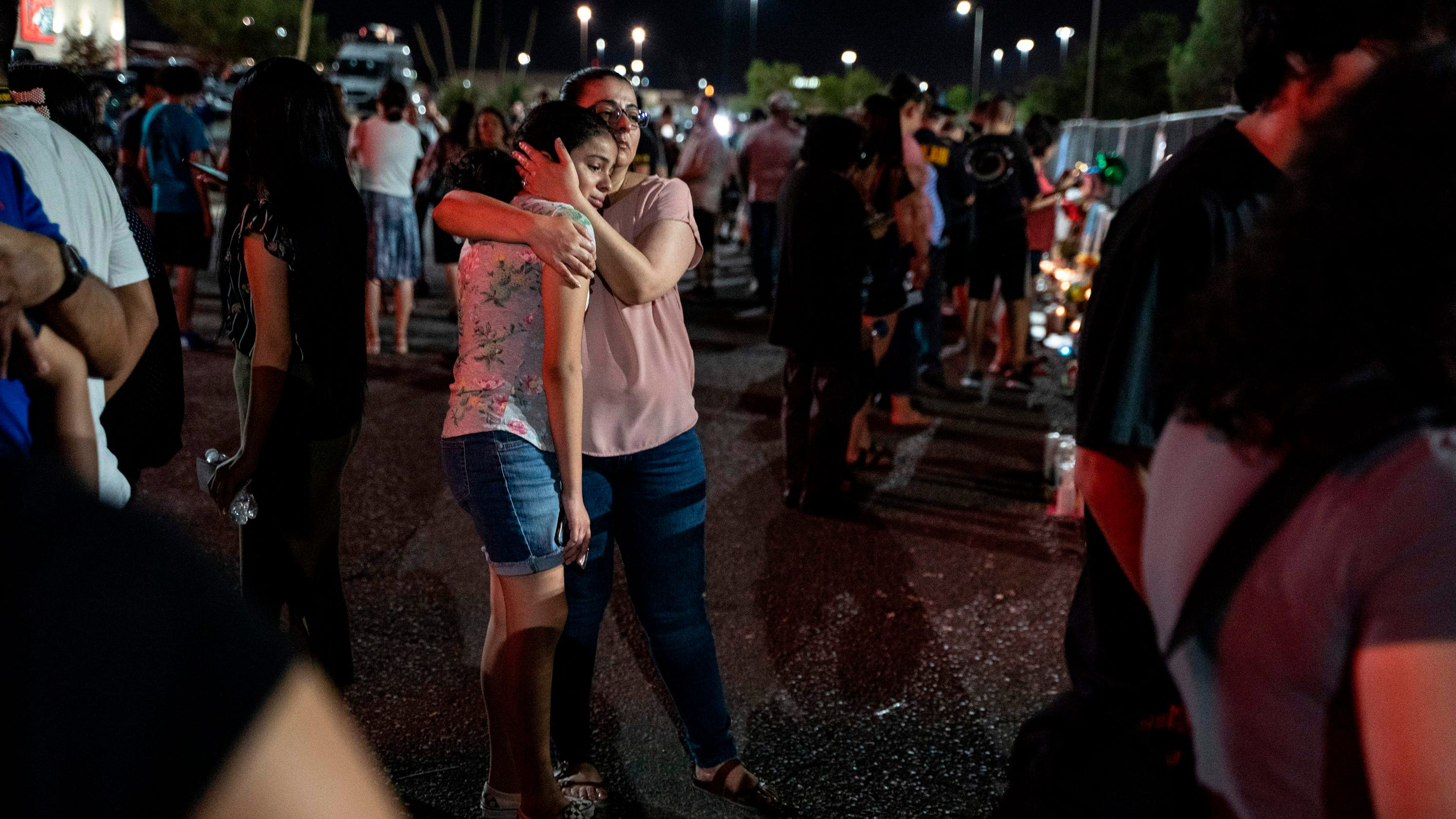 El Paso shootings: Man with no family invites public to