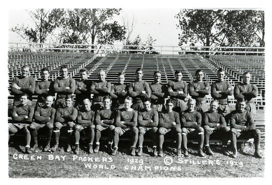 1929 Green Bay Packers team photo.