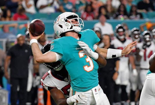 Josh Rosen doesn't have a lot of time to pass in NFL games. Is his time for an NFL career running short, too?