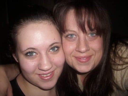 Leighanna Vanderhoof and her mother, Tonya Epley.