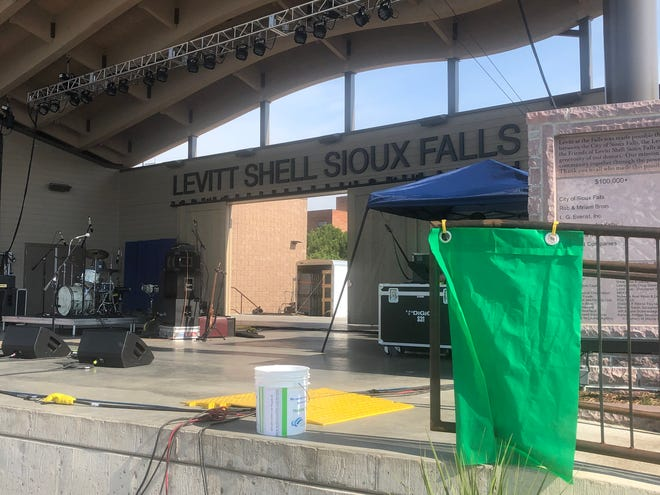 A weather flag in use at the Levitt Shell.