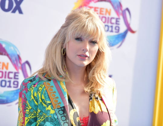 Taylor Swift arrives at the Teen Choice Awards Aug. 11, 2019, in Hermosa Beach, Calif.