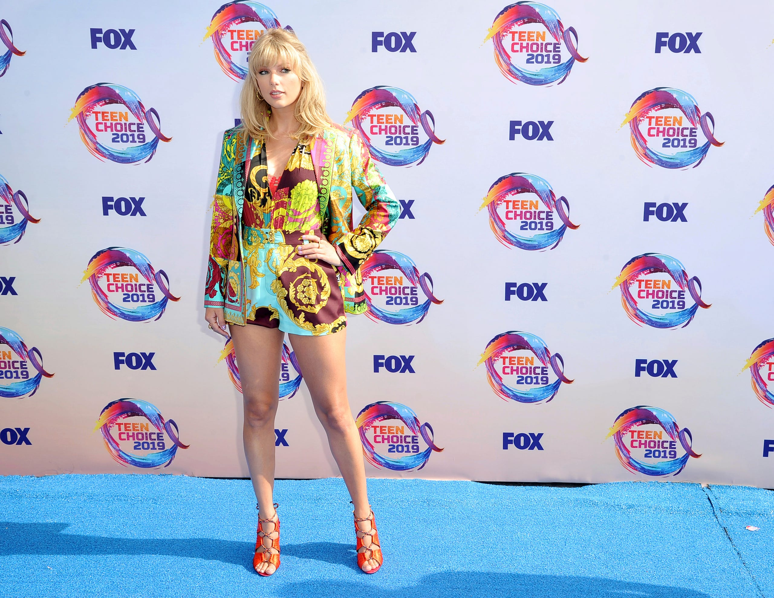Stars hit the 2019 Teen Choice...