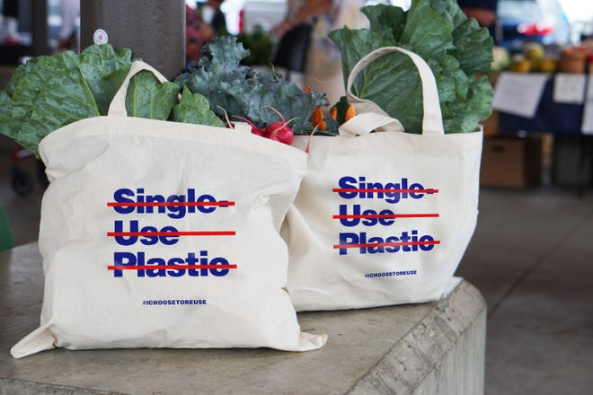 Eastern Market to reduce plastic bag use.