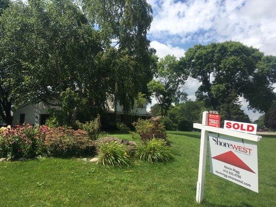 July sales of existing homes rose in the metro Milwaukee area.