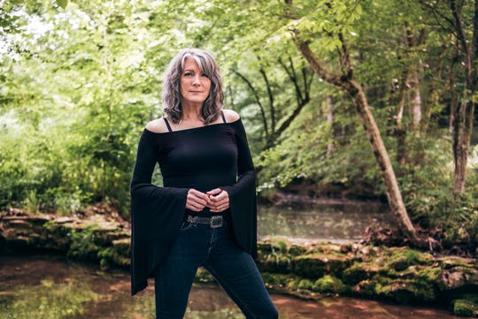 Country and Americana singer Kathy Mattea will perform Oct. 12 in Cedarburg and May 16 in Brookfield.
