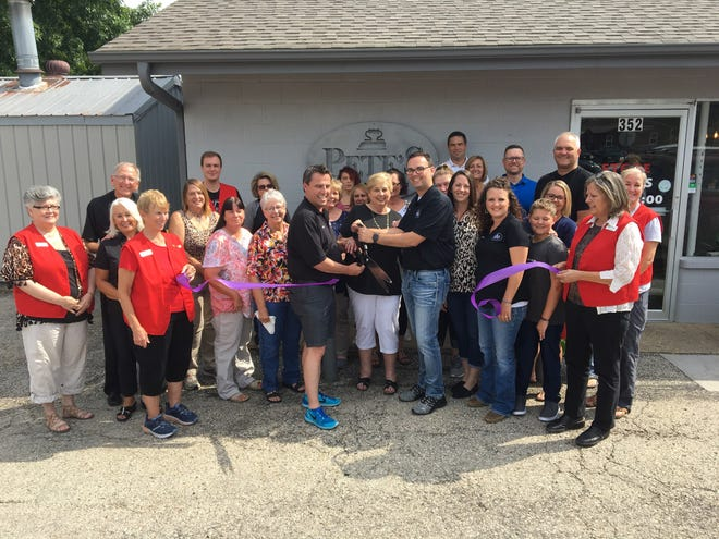The Mountain Home Area Chamber of Commerce recently held a ribbon cuttingfor Pete's Cleaners, located at 352 East 9th Street in Mountain Home, to celebrateTom Kiley and Jeff Quick as new owners. Pete's Cleaners provides dry cleaning, laundry and alteration services. The business has been serving the Twin Lakes Areafor 60 years. For more information visit their Facebook page or call (870) 425-2939.