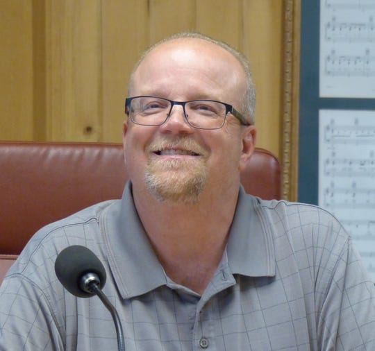 Ruidoso Planning Commission Chairman Mark Flack  recalled previous discussions about a subdivision in the proposed area.