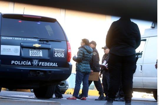 Rosario Robles al momento de ingresar al penal de Santa Marta Acatitla.