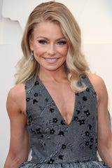 Kelly Ripa arrives at the 2019 Academy Awards.