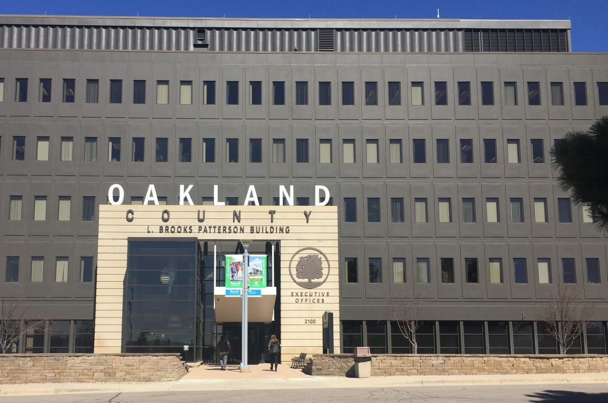 Oakland County executive drama continues as 5 candidates