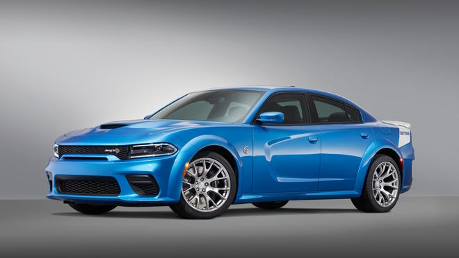 Dodge is issuing a limited-production 717-horsepower Daytona 50th Anniversary Edition on a 2020 Charger SRT Hellcat Widebody.