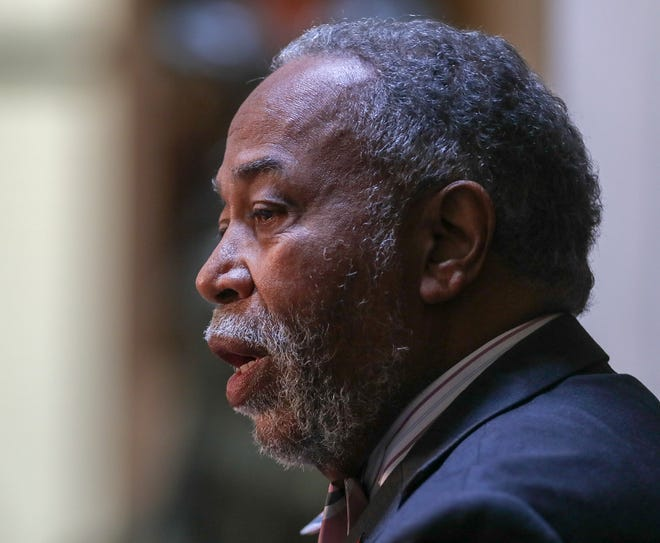State Sen. Gerald Neal, D-Louisville, attempted to amend a bill dealing with school resource officers, but his amendment to allow local schools boards to decide whether their SROs carry guns, failed in a voice vote.