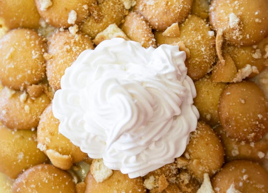 The Pie Folks' Granny's Old Fashioned banana pudding .