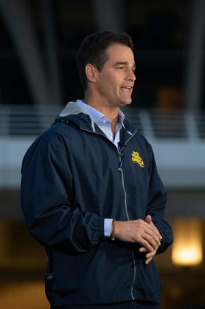 """""""Good Morning America"""" films its weather segment with Rob Marciano next to the Milwaukee Art Museum."""