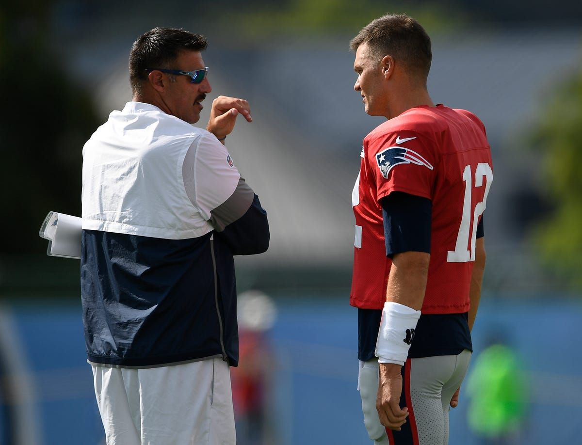 1811e648 Titans-Patriots: Tom Brady trash-talked, happy birthday to Mike Vrabel