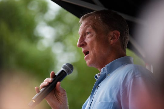 Democratic activist and billionaire investor Tom Steyer speaks at the Des Moines Register Political Soapbox on August 11, 2019. Steyer announced he was seeking Democratic nomination on July 9, 2019.