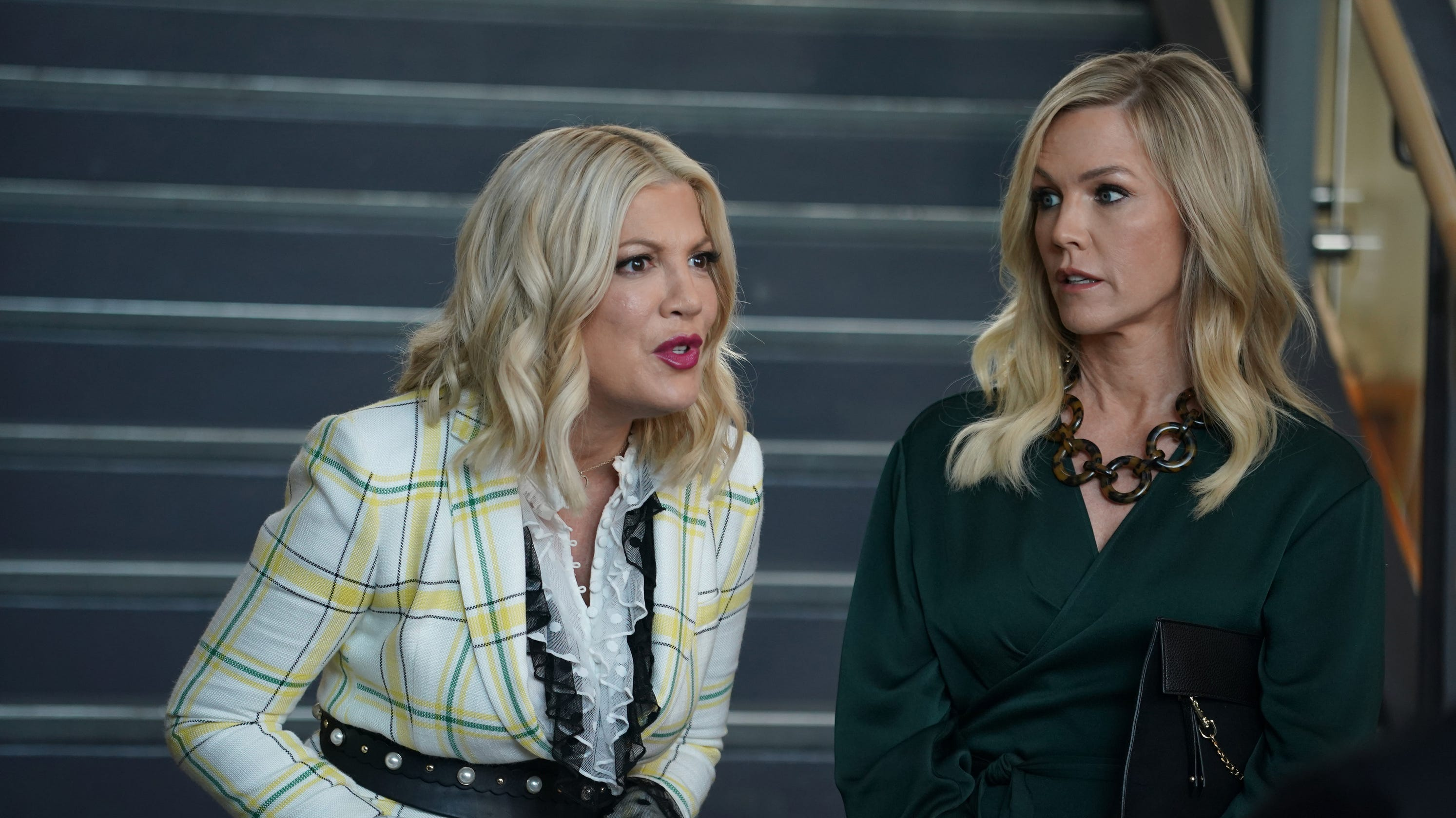 BH 90210' recap: Season 1, Episode 2, 'The Pitch'