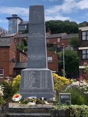 """Memorial in Derry, Northern Ireland, to the 13killed by British paratrooperson """"Bloody Sunday""""in 1972."""